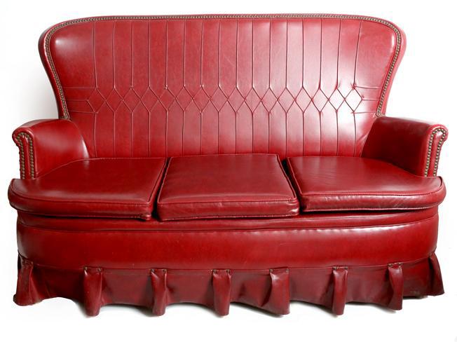 El «pegadizo» sofá deescay